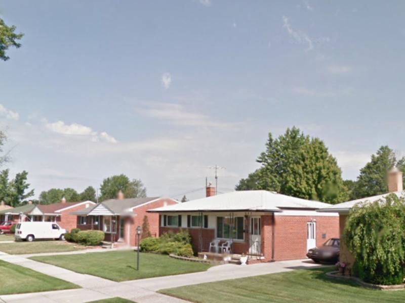 roommate needed for 3 bedroom house in Warren, MI