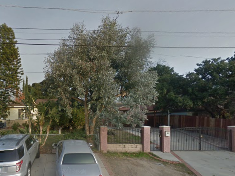 ROOM AND BATH FOR RENT in Tujunga, CA