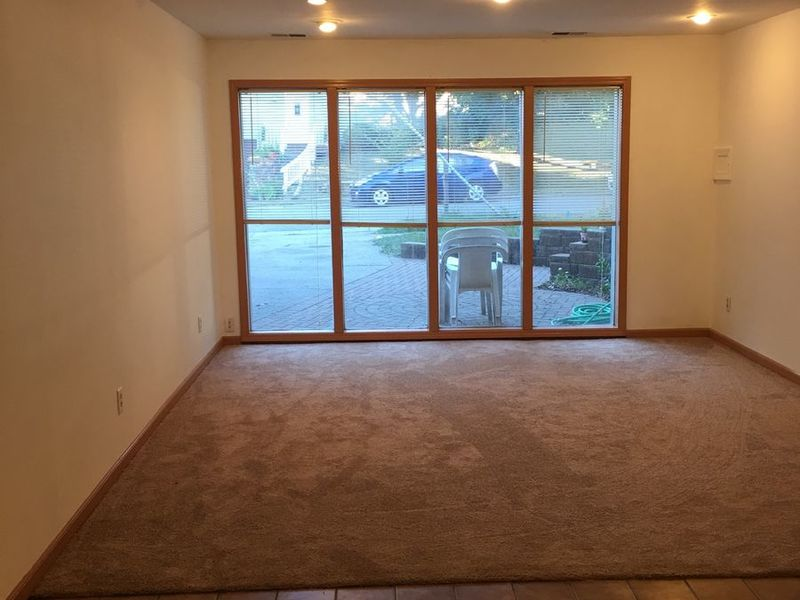 1300sf living space 1 bedroom apartment Must See!! in Ann Arbor, MI