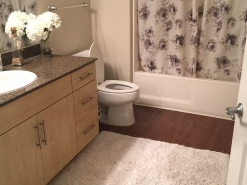 Room for rent  in Anaheim , CA