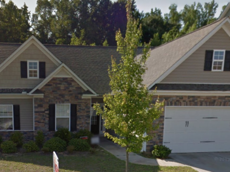 Looking For A Professional Person To Rent in Simpsonville, SC