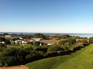 Quiet, convenient, ocean view in Solana Beach, CA