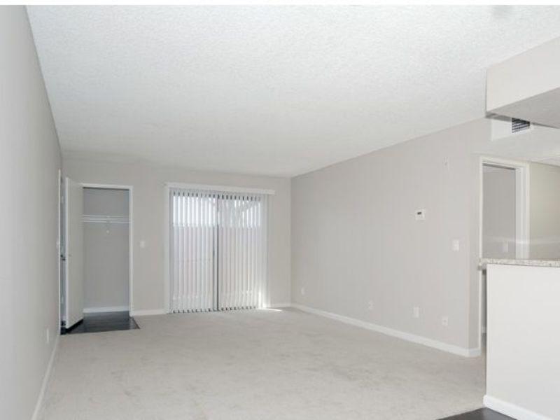 Vista Pointe Apartment in Covina, CA