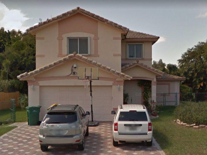 House in Plantation, FL