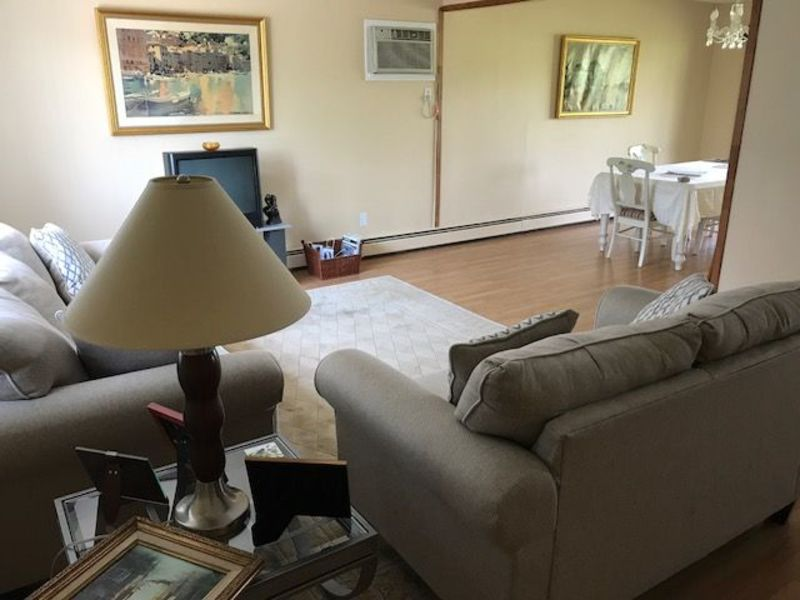 House share w/priv bath, laundry, parking, serene. in Seaford, NY