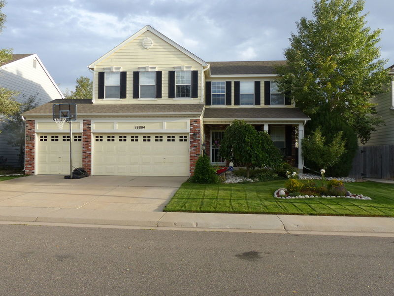 Furnished sunny Walk-out Basement, 1,000 sq feet in Aurora, CO