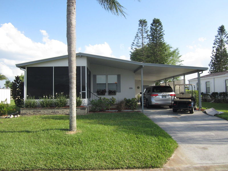 Own in Ellenton, FL