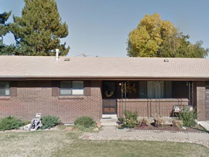 Looking for housemate in Littleton, CO