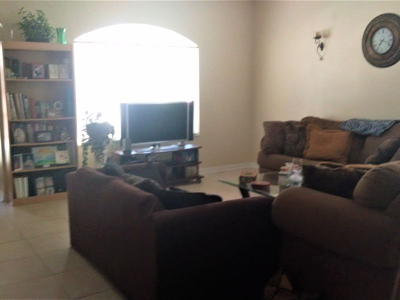 Quiet, spacious 2 story home  in Tampa, FL