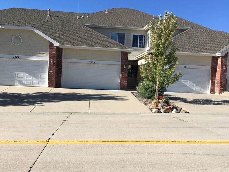 Clean, quiet home in Castle Rock, CO