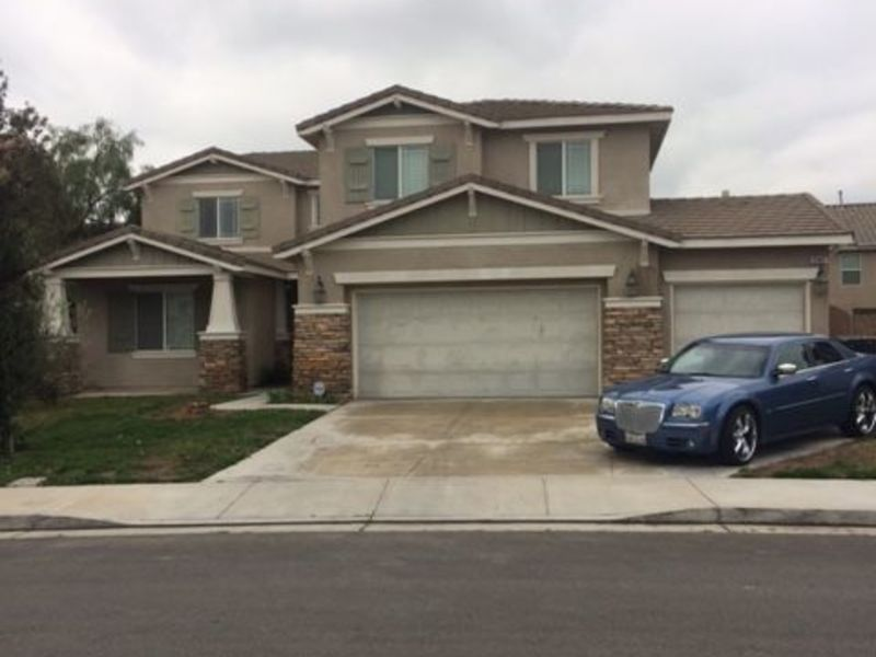 A Furnished Room for  Working Professional to Rent in Eastvale, CA