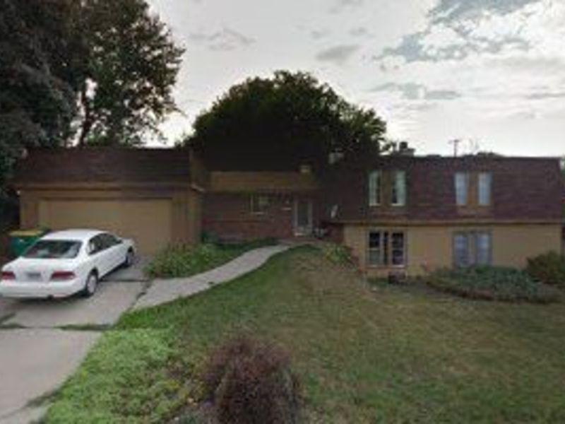 1071 South Arbutus Street   Lakewood, CO  80228  in Lakewood, CO
