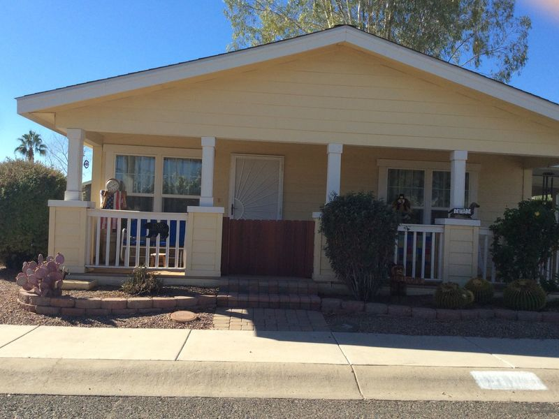 Dog friendly home in awesome retirement community in Phoenix, AZ