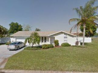 3/2 Ranch Style Pool Home Centrally Located in Bradenton, FL