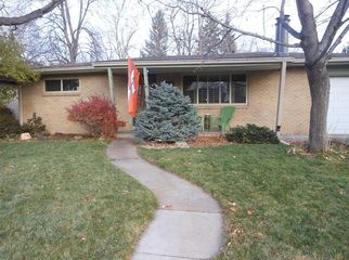 Basement for rent in a quiet neighborhood by DU in Englewood, CO