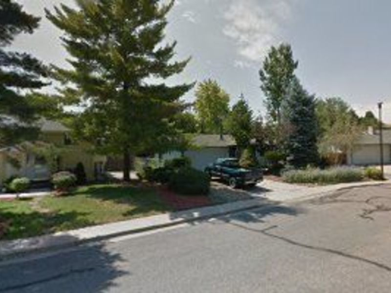 full basement available, share kitchen in Broomfield, CO