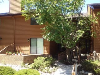 Room to rent in spacious townhome in Denver, CO