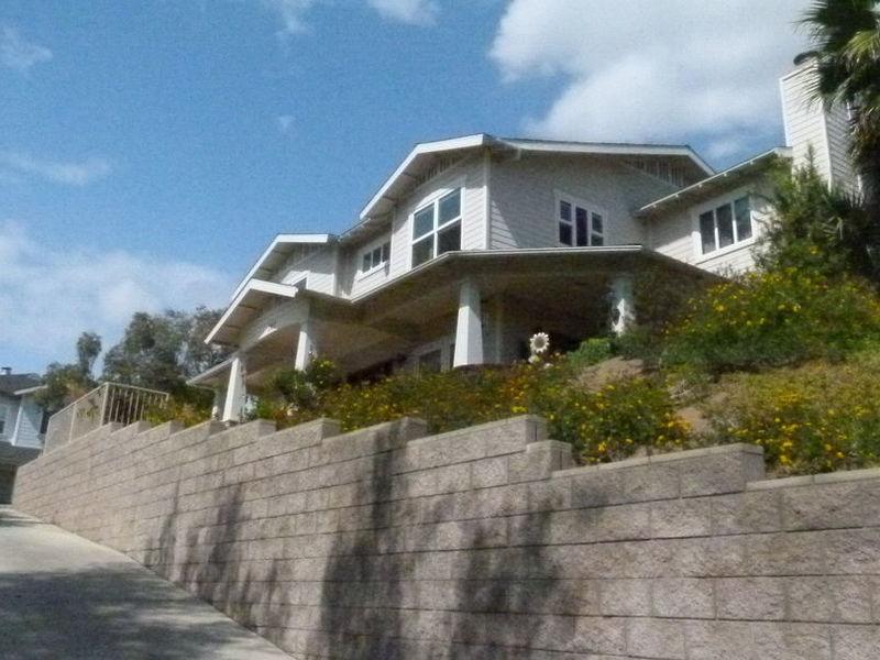 Quiet, Large Beautiful Home (2BDR w Priv. Bath) in Fullerton, CA