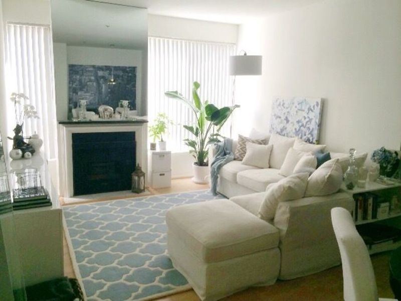 Furnished 1 BR / 1 BA available in a 2/2 luxury ap in Los Angeles, CA