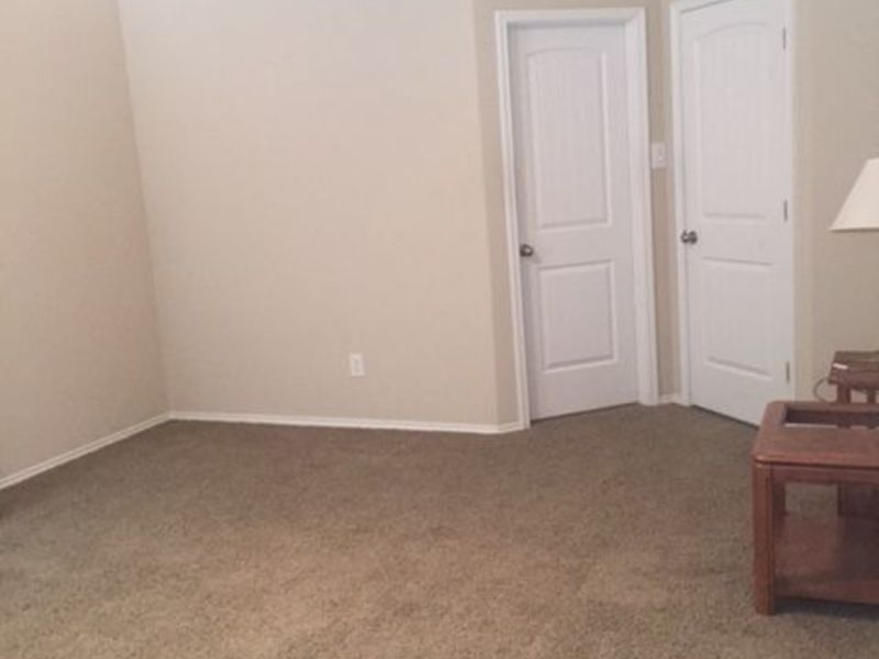 Nice and clean house in Denton, TX