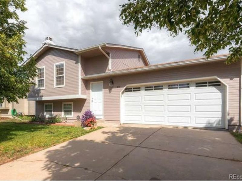 2 Bedroom, Private bath and Living room  in Aurora, CO