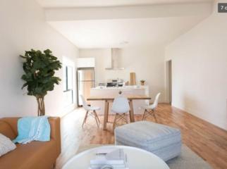 Apartment  in Los Angeles, CA