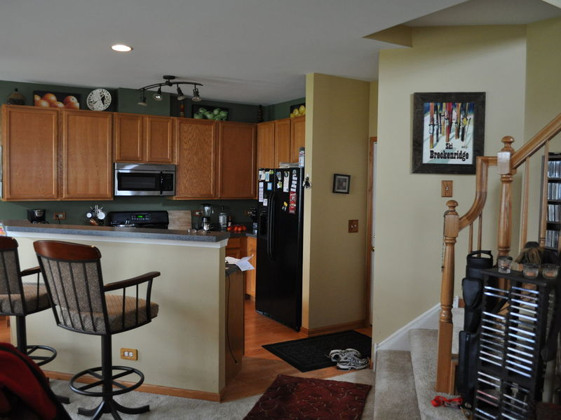 Townhome to Share in Lake In The Hills, IL
