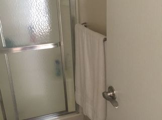 Master bed room furnished w/ private bath in Ontario , CA
