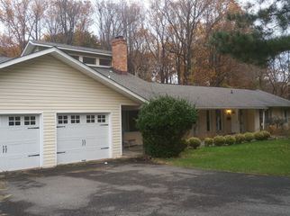 Single family home in Annandale, VA