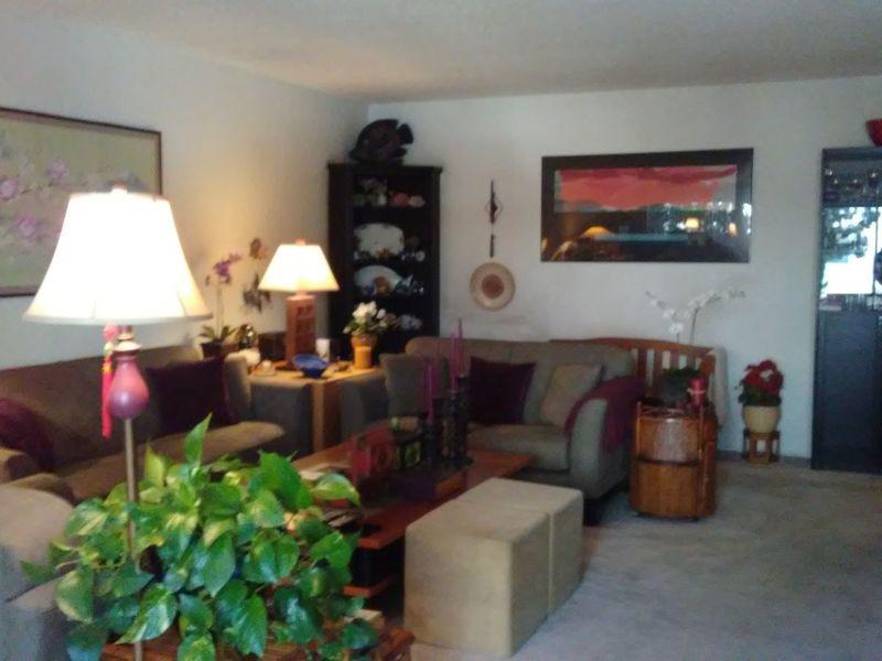 Share Sherman Oaks Apt. - Master BR Pvt Bath in Sherman Oaks, CA