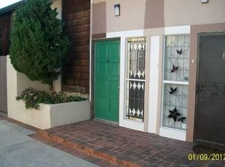 Condo in Great Community with Pool / Spa/ Laundry  in Santa Ana, CA