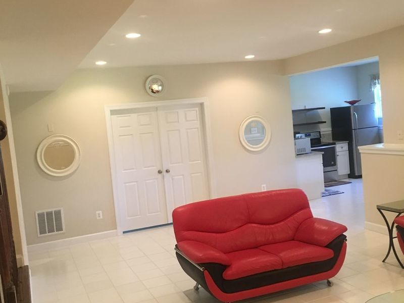 Spotless Furnished Basement with Private Entrance in Herndon, VA