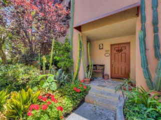 Lovely Condo in a Quiet Complex in Calabasas, CA