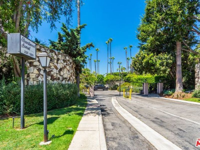 One of nicest townhomes in Brentwood in Los Angeles, CA