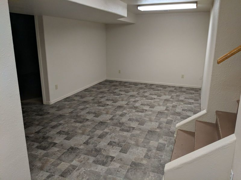 Large quiet basement with 3 big rooms and bathroom in Loveland, CO