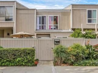 2 Rooms I newly renovated townhome  in Santa Ana, CA
