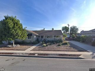Beautiful room for rent in home in Brea, CA