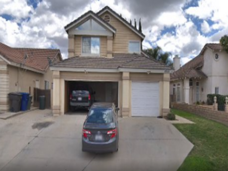 Spacious home in nice safe neighborhood in Riverside, CA