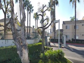 nice quiet hidden condo in Bell Gardens, CA