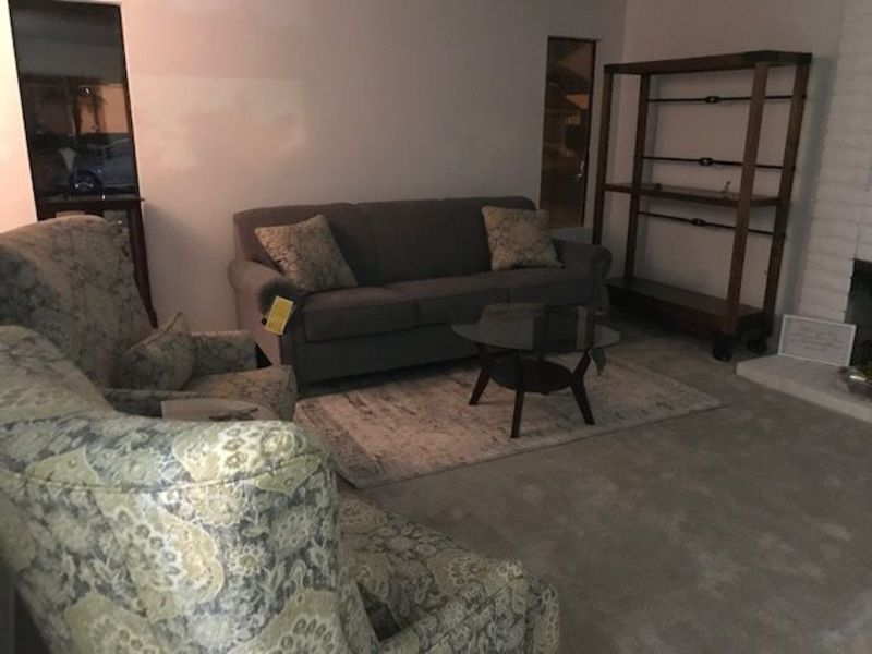 Quiet townhouse community in Upland California in Upland, CA