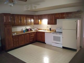 Large 3 bedroom with plenty of privacy in Lakewood, CO