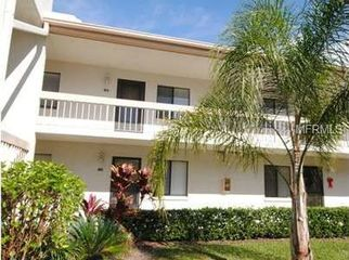 Updated condo in gated community with pool in Oldsmar, FL