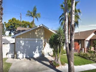 Quiet Home near park & 20 minutes from Beach in Long Beach, CA
