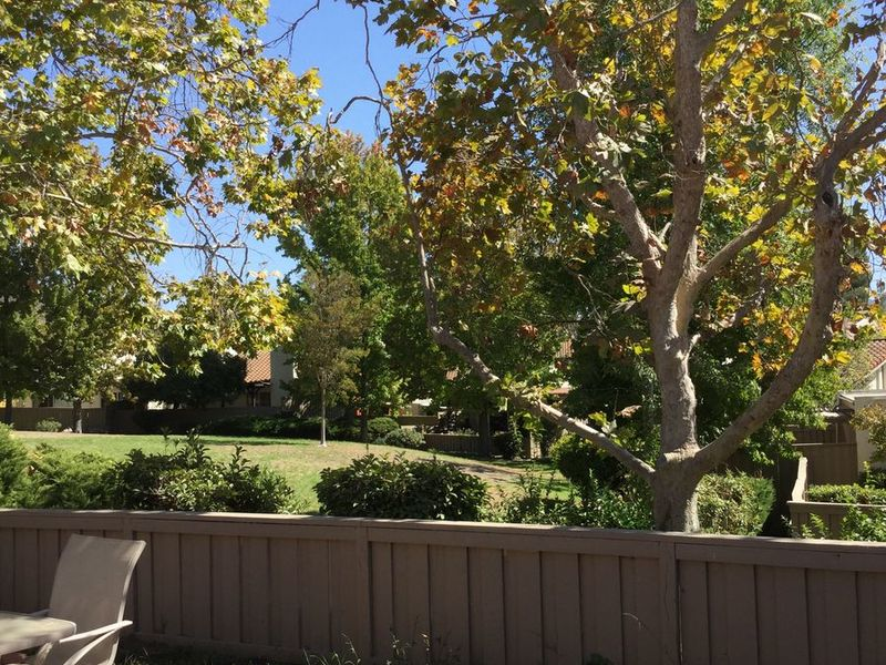 Bright, Spacious Townhouse in Thousand Oaks in Thousand Oaks, CA