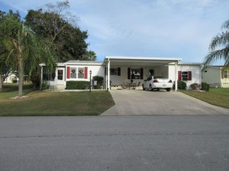 Room in comfortable home in golfing community  in Lady Lake , FL