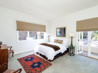 Large private Master Bedroom w/ private Bathroom-P in Los Angeles, CA