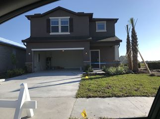 New house on pond. Beautiful neighborhood with res in Palmetto , FL