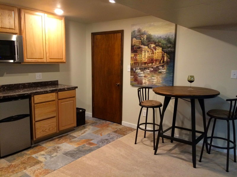Furnished 2-BR Basement Apartment in Longmont, CO