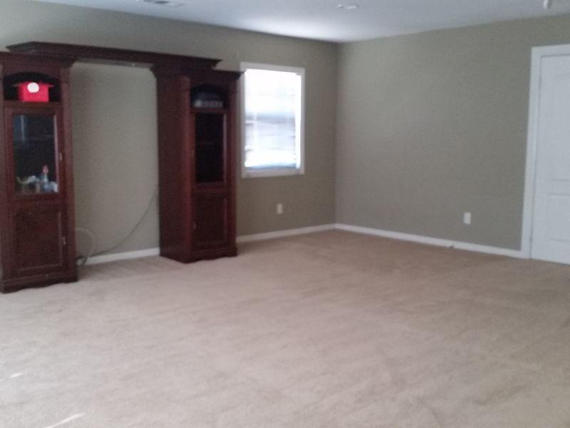 Beautiful Bonus Room for rent in Victorville, CA