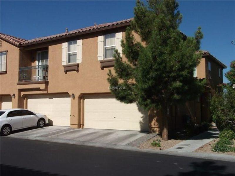 3 bedroom townhome 215 Jones in Las Vegas, NV